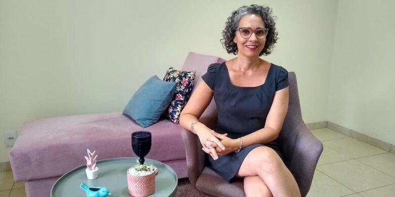 A psicanalista Vanessa Figueiredo explica o fato das mulheres se sentirem atraídas pelos homens com traço de psicopatia - Crédito: O Progresso
