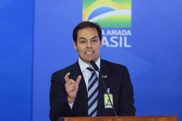 Secretário especial de Desburocratização, Paulo Uebel, disse que o governo está comprometido em usar a tecnologia para reduzir a burocracia - Crédito: Arquivo/Agência Brasil