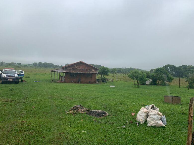Grupo estava escondido em uma propriedade rural em Coronel Sapucaia - Crédito: Divulgação