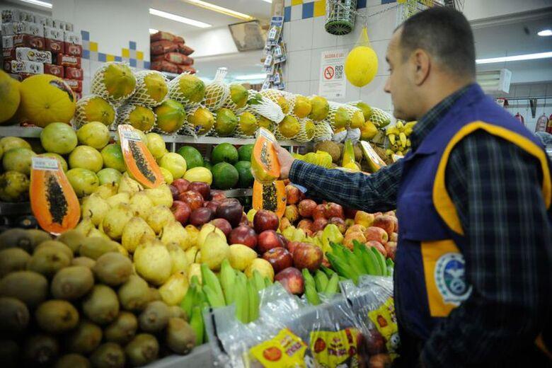 Anvisa atesta segurança de alimentos, mas 23% têm resíduos tóxicos - Crédito: Arquivo/Agência Brasil
