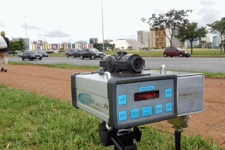 Justiça determina que PRF volte a usar radares móveis em rodovias - Crédito: Arquivo Agência Brasil