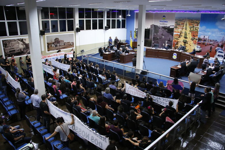 Pais e professores participaram da sessão ordinária - Crédito: Thiago Morais