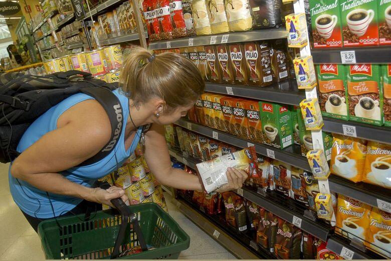 Vendas de supermercados sobem 4,3% em outubro - Crédito: EBC