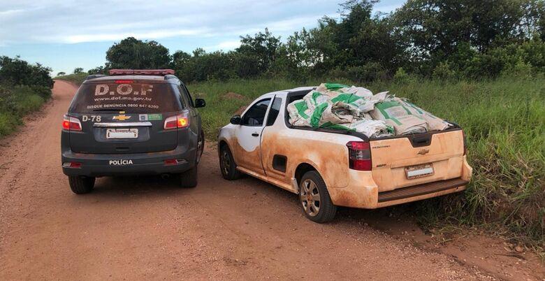 Casal foi flagrado na MS-384, zona rural de Ponta Porã - Crédito: Divulgação DOF