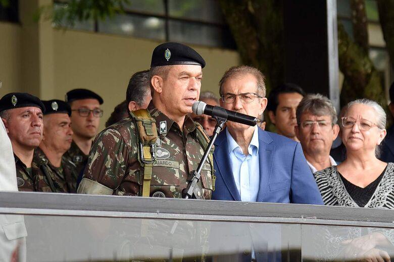 O General Eduardo Tavares Martins enfatizou e seu discurso a importância histórica da Brigada na defesa das fronteiras - Crédito: Progresso On Line/Marcos Ribeiro