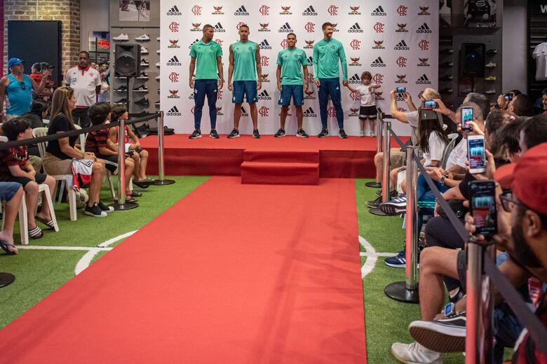 Flamengo lança novos uniformes de treino e viagem para a temporada 2020 - Crédito: Paula Reis/Flamengo