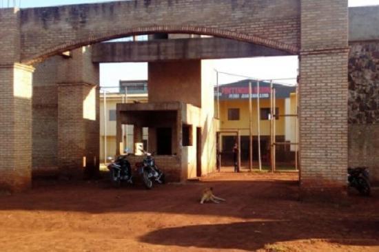 Fuga pode ter tido êxito com a ajuda de agentes penitenciários do Paraguai - Crédito: Reprodução/Google Street View