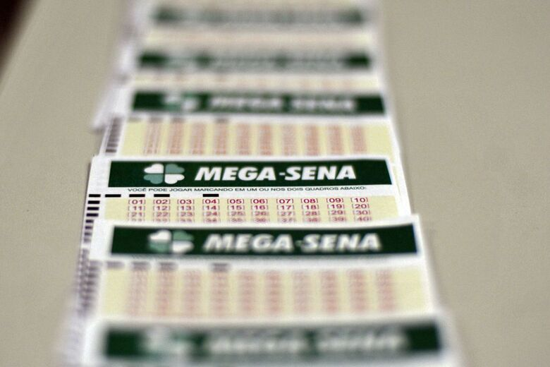 Mega-Sena deve pagar R$ 40 milhões no sábado - Crédito: Marcello Casal Jr./Agência Brasil