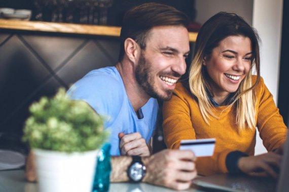 Pesquisa da CNI aponta que 4 em cada 10 brasileiros já fizeram compras na internet - Crédito: Divulgação
