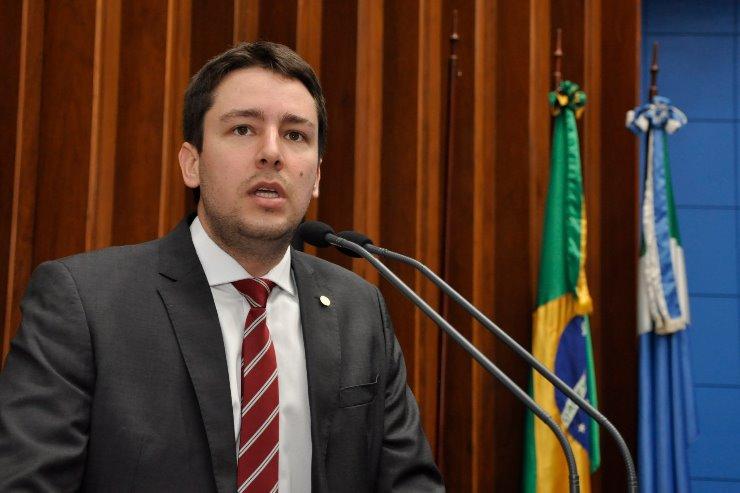 Deputado João Henrique anuncia, na tribuna, saída do G-11 -