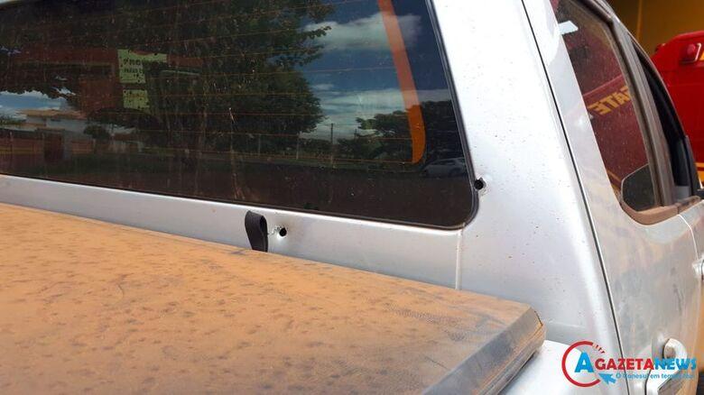 Veículo do ex-prefeito foi atingido por vários tiros - Crédito: Vilson Nascimento/A Gazeta News