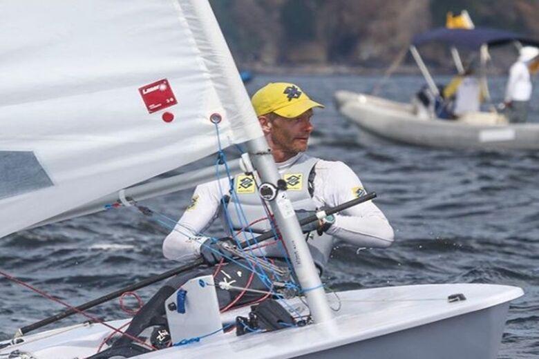 O velejador de 46 anos viu a sua vaga olímpica ser confirmada no decorrer do Mundial - Crédito: Divulgação