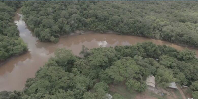 Águas do rio da Prata ficaram escuras depois de receber resíduos de área de plantação de soja - Crédito: Arquivo