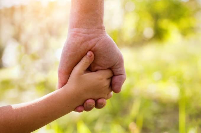 O primeiro passo para quem quer adotar é procurar a Vara de Infância e Juventude - Crédito: Divulgação