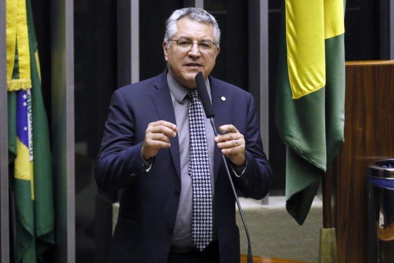 Projeto dispensa atestado médico para faltas por coronavírus - Crédito: Luis Macedo/Câmara dos Deputados