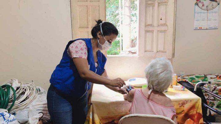 MP cobra vacinação de idosos contra H1N1 em casa para evitar Covid-19 -