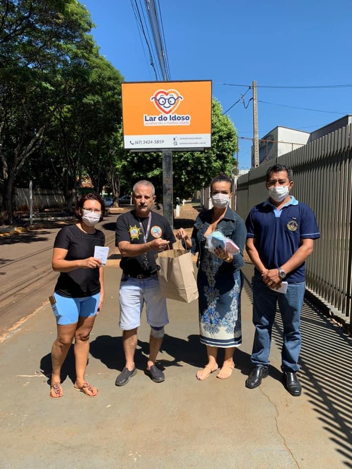 Voluntários produzem mais de mil máscaras para doar em hospitais e abrigos de Dourados -