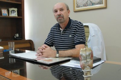 Fonoaudiólogo Ademir Baena alerta para distúrbios da voz -