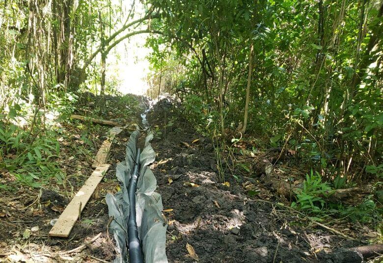 Infrator é autuado em R$ 8 mil por degradação de nascentes para desviar água para sua propriedade - Crédito: Divulgação