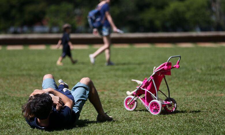 Isolamento impõe desafios a pais separados com guarda compartilhada - Crédito: Marcelo Camargo/Agência Brasil