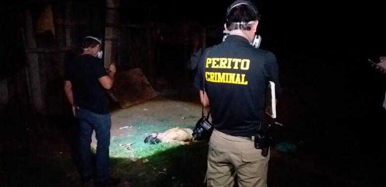 Homem é assassinado a pauladas e gestante agredida em Dourados -
