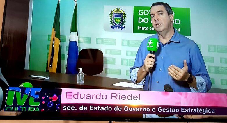 Secretário  de Governo  Eduardo Riedel fala  em rede  nacional  da TV Cultura. -
