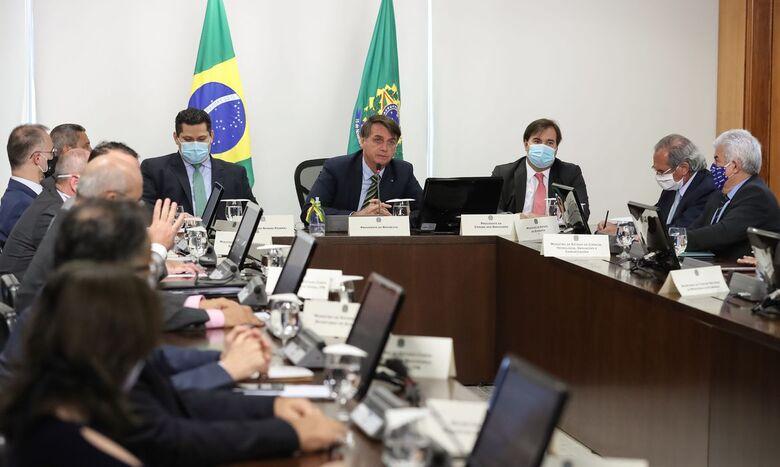 Governadores apoiam veto a reajustes de salário para servidores - Crédito: Marcos Corrêa/PR