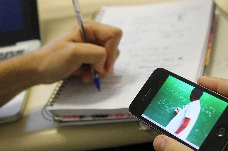 Estudantes podem ter acesso gratuito a aplicações de ensino a distância - Crédito: Reprodução/EBC