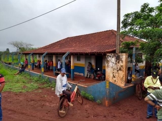 Exames continuam sendo feitos nas aldeias (Foto: Reprodução/Facebook)  - -