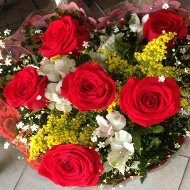 Procon pesquisa preços de flores para o Dia das Mães -