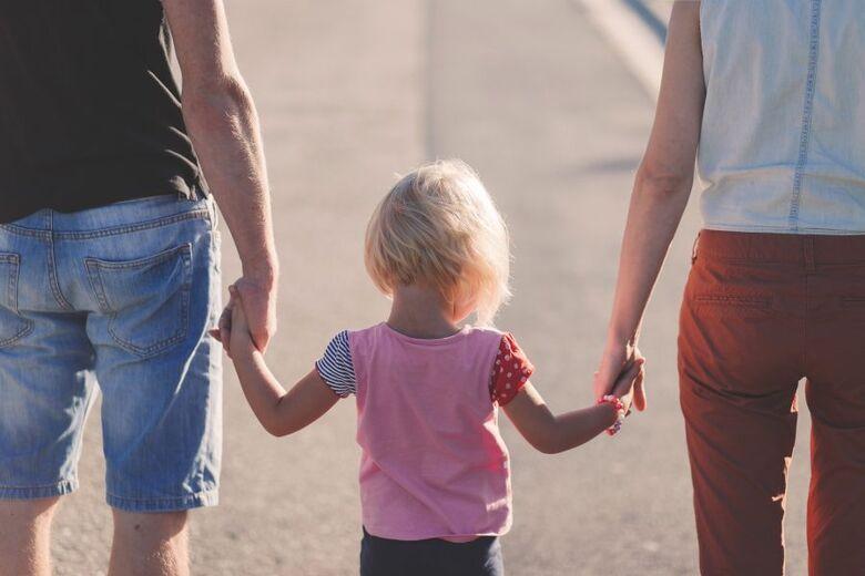 Isolamento impõe desafios a pais separados com guarda compartilhada -