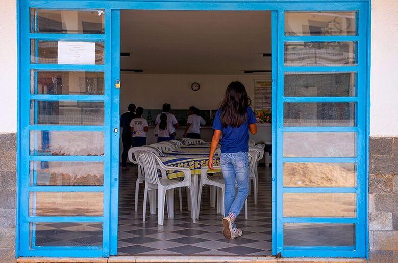 Jovens não adotados vivem drama quando fazem 18 anos e precisam deixar abrigos - Crédito: Lia de Paula/Agência Senado