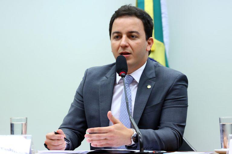 """Deputado Célio Studart: """"A promoção de festas neste período coloca em risco a vida de várias pessoas""""   Fon - Crédito: Vinicius Loures/Câmara dos Deputados"""