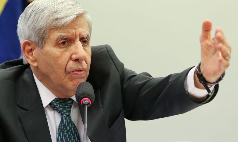 Apreensão de celular de Bolsonaro seria afronta, afirma Heleno - Crédito: Fabio Rodrigues Pozzebom/Agência Brasil