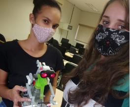 Alunas da UEMS criam robô que ajuda na prevenção do coronavírus -