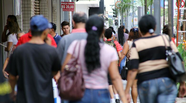 Taxa de isolamento estaciona em 36% e estatísticas já mostram consequências do descaso com a vida - Crédito: Edemir Rodrigues