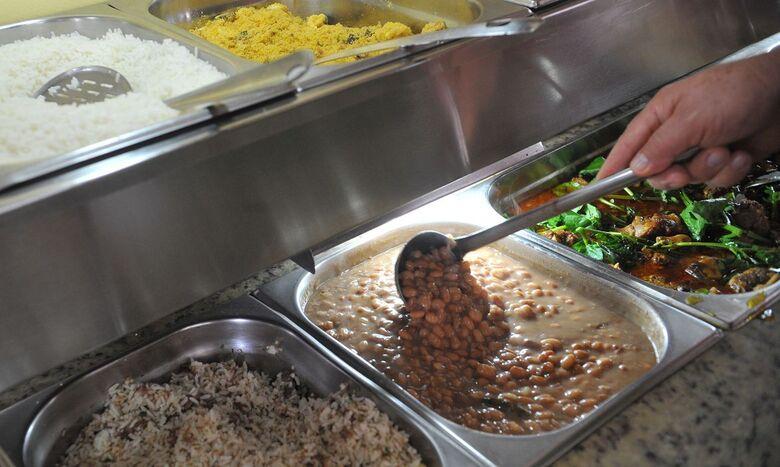 Bolsonaro sanciona lei que permite doação de refeições não vendidas - Crédito: Antonio Cruz/Agência Braisl