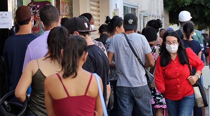 Aglomeração de pessoas favorece contágio acelerado, e MS está a um passo dos 2 mil casos de Covid - Crédito: Chico Ribeiro