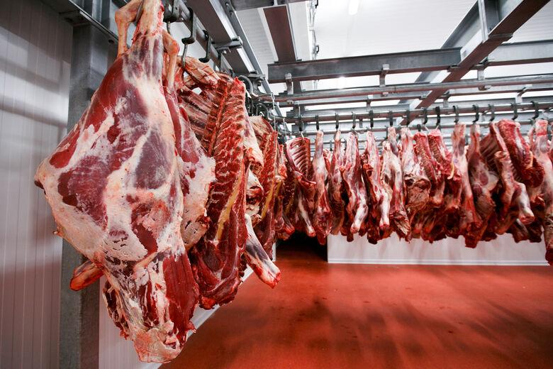 Seis frigoríficos do Brasil têm exportações de carne suspensas para a China por preocupações com a Covid-19 -