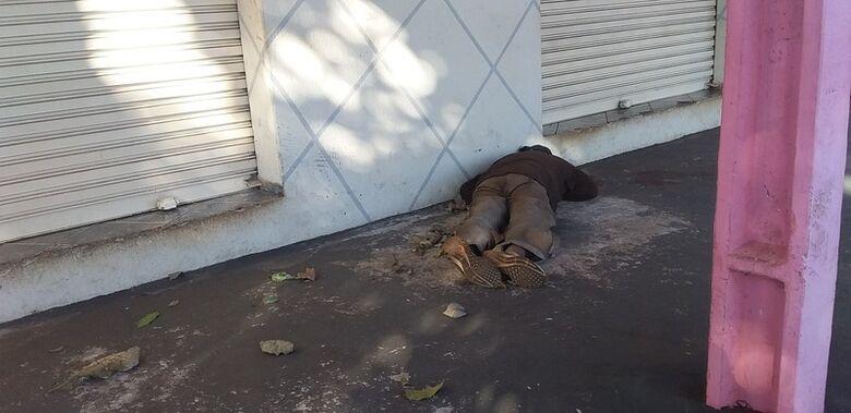 Homem é encontrado morto na Vila Rosa - Crédito: Cido Costa