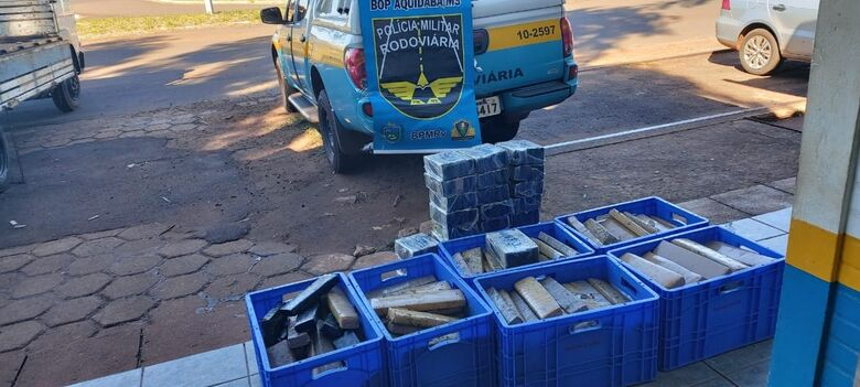 Polícia apreende 260 kg de maconha em compartimento secreto de caminhão - Crédito: Divulgação