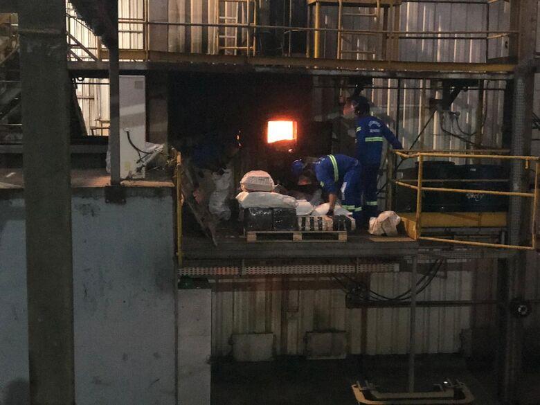 Defron realiza incineração de mais de 24,7 toneladas de drogas em Dourados - Crédito: Divulgação