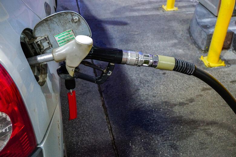 Pesquisa mostra que preço da gasolina teve alta de 6,06% em Dourados -