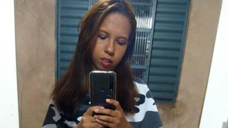 Jovem sequestrada na frente de casa é encontrada morta na Capital -