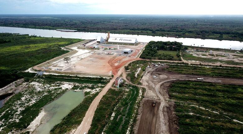 Distrito portuário de Porto Murtinho recebe pavimentação; investimento faz parte de estratégia para viabilizar a Rota Bioceânica. - Crédito: Foto: Chico Ribeiro