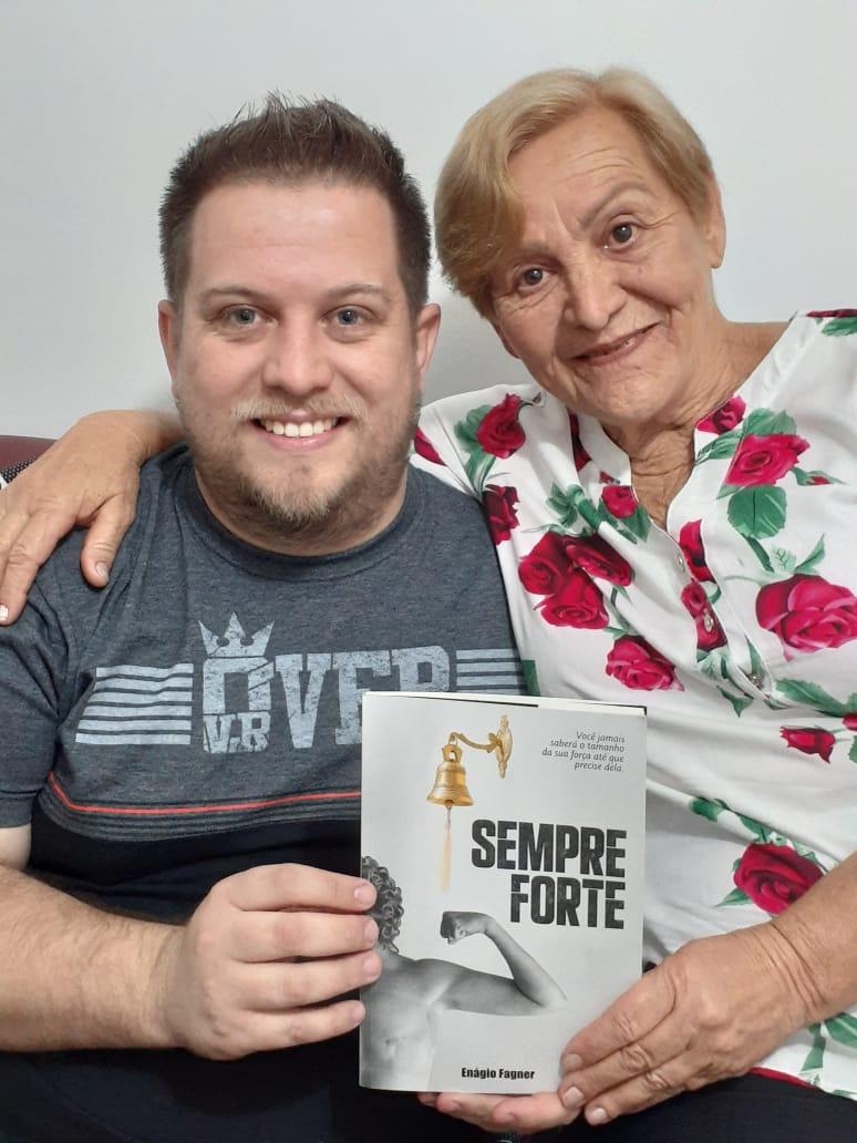 Enágio e a mãe Ana Cleia -