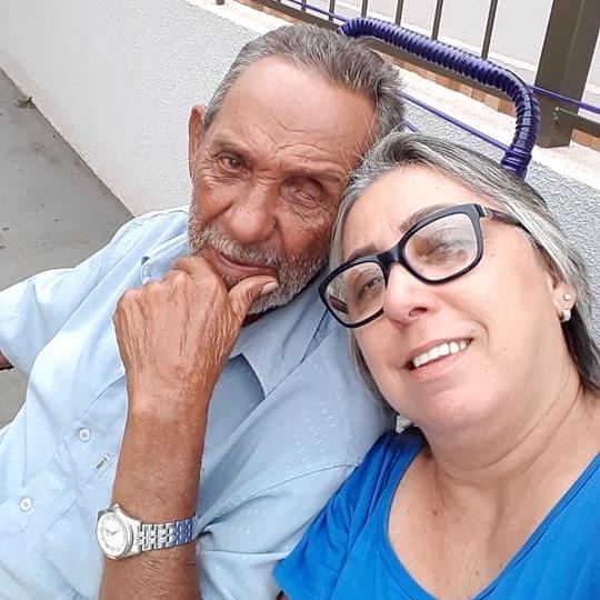Marta postou foto com o pai falecido em Dourados - Crédito: DIV