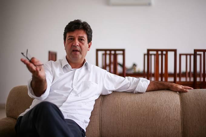 """Mandetta: """"Os governantes estão desistindo de salvar vidas"""" - Crédito: Pedro Ladeira/Folhapress"""