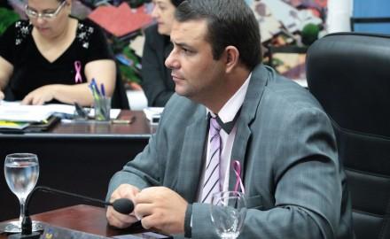 Vereador Carlito do Gás aciona Energisa e Sanesul e solicita aumento no prazo de suspensão de cortes - Crédito: Arquivo