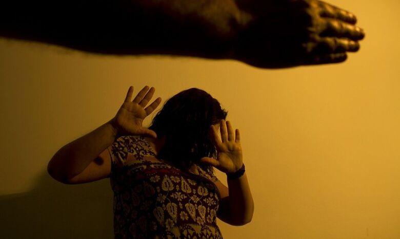 Bolsonaro sanciona lei de combate à violência doméstica na pandemia - Crédito: Marcos Santos/USP